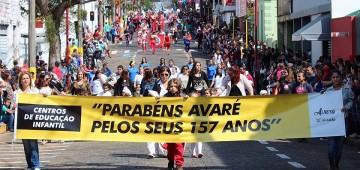 Desfile festivo homenageou o escultor Fausto Mazzola