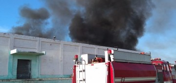 Incêndio em barracão de reciclagem